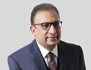 Dr Javed Ahmed is a Consultant Cardiologist specialising in interventional cardiology, coronary angioplasty, stenting heart disease